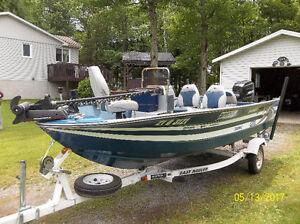 Chaloupe de pêche 16 1/2 pieds + moteur 90 Hp + trailer