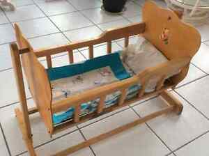 Antique baby doll cradle Belleville Belleville Area image 1