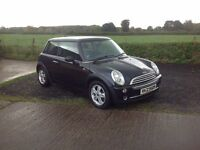 2006 mini one 1.6 black motd June 17 service history 2 keys