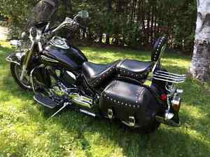REDUCED YAMAHA V STAR 1100. MINT CONDITION LOADED MUST SEE