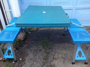Collapsible Picnic Table...Folds Into A Briefcase! Cambridge Kitchener Area image 5