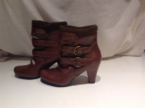 Two pairs of Ladies boots size small 5