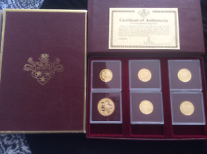 """GOLD """"Queens Collection"""" Coins"""