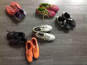 Soccer shoes - Soccer cleats