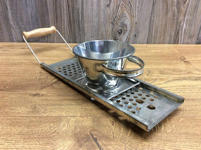 Vintage Food Grater With Sliding Food Hopper Made In Austria Nice Condition D7