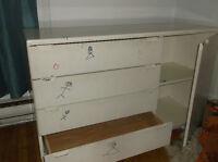 commode 4 tiroires + 2 etageres/ dresser 4 drawers + 2 shelves