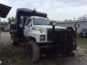 1997 GMC 8500 WITH SALTER DUMP BODY AND PLOW