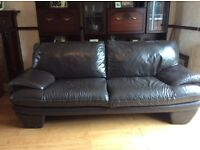 3&2 real leather suite in excellent condition