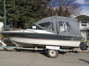 Great boat for fishing, water skiing and overnight outings