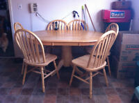 Large Pedestal Table & 6 Chairs