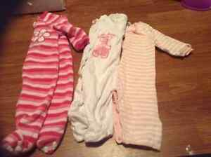 0-3 month girl clothes sleepers/ outfits London Ontario image 7