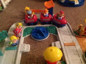 Fisher Price playset Vintage Kingston Kingston Area image 2