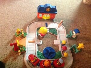 Fisher Price playset Vintage Kingston Kingston Area image 1