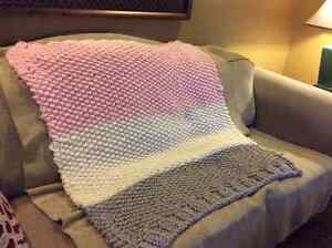 New Hand knit Baby Blanket Windsor Region Ontario image 4