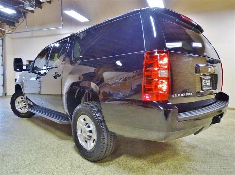 Image 9 Voiture Américaine d'occasion Chevrolet Suburban 2011