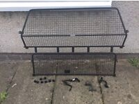 Land Rover Discovery 3 / 4 Dog Guard