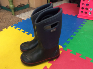 BOGS children's winter boots for sale; size 2