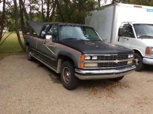 1988 Chevrolet one ton Silverado 454
