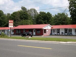 MOTEL ROOMS WITH KITCHEN IN MADOC, ONTARIO