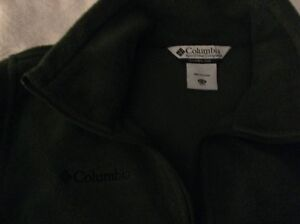 New Columbia sweaters, zip up, top great for fall London Ontario image 1