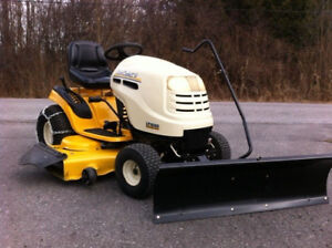 CUB CADET LAWN TRACTOR*NEW SNOW PLOW & CHAINS**