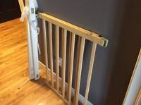 Baby gate with adapter