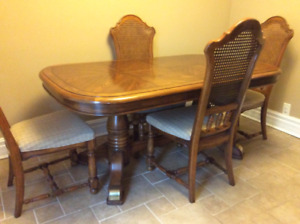 Peppler Dining Or Table Sets In Ontario