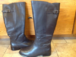 Ladies Easy Spirit Leather Riding Boots