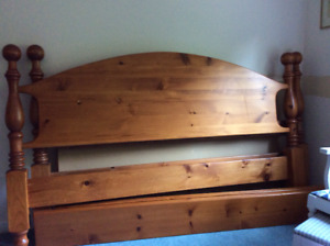 Solid pine king size cannonball bed