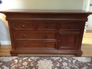 """""""MUNIRE"""" SOLID WOOD DRESSER....GREAT CONDITION! LOTS OF STORAGE!"""