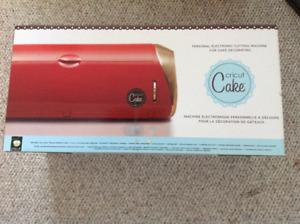 CRICUT CAKE - decorating machine