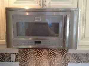 Over the range microwave frigidaire professional/ hotte MO