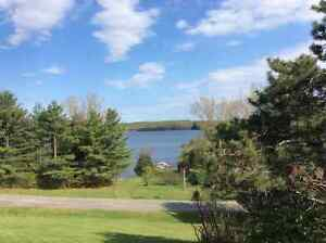 Muskoka House with a view and Business (16 site trailer park)