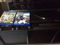 Selling PS4 with 2 controllers and 2 games!