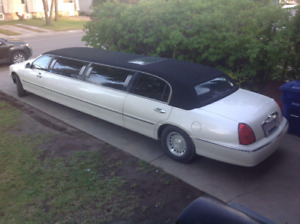 2000 Lincoln Town Car LIMOUSINE