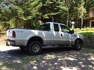 2003 Ford F250 XLT Camionnette King cab.