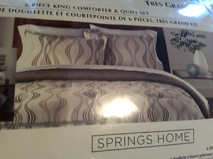 New king comforter with matching pillow shams