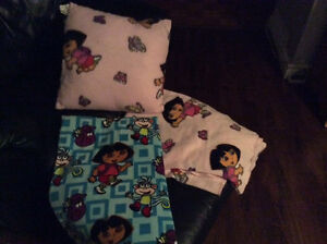 Dora blankets and pillow Kitchener / Waterloo Kitchener Area image 1