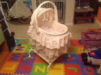 First Years Bumblebee Bassinet