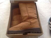 Brand new orignal ugg boots in box size: 6/39 new £45