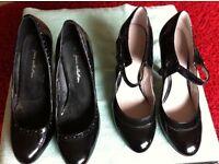 Black patent shoes size 4