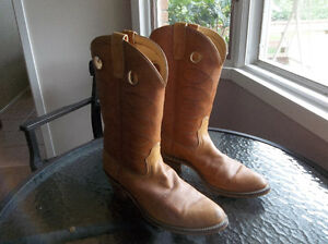 Really nice western boots ...... knock-offs of expensive Frye London Ontario image 3