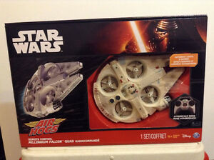 Star Wars AIR HOGS Remote Control MILLENNIUM FALCON Quad drone