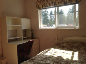 Furnished upstairs bedroom at NorthVancouver close Capilano  U.