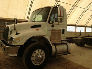 IH 7500 cab and chassis