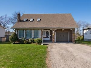 OPEN HOUSE TODAY 1-3pm - Commuters Paradise
