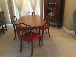 Solid Wood Dining Table + 2 Extensions, 4-Chairs Reconditioned Kitchener / Waterloo Kitchener Area image 6