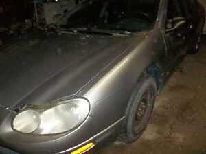 2000 Chrysler concorde parts ,motor 2.7 and transmission