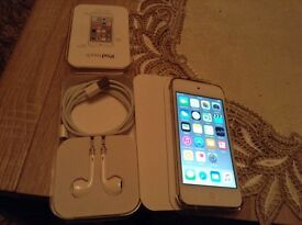 iPod touch 6th generation 16 gb.