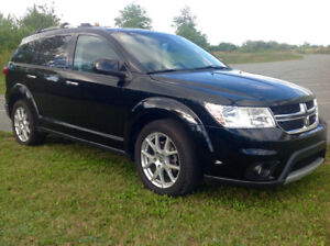 2014 AWD Dodge Journey R/T  55000km 7pass DVD  Leather